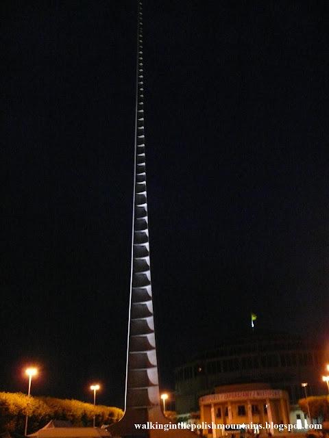 https://walkinginthepolishmountains.blogspot.com/2020/01/wroclaw-multimedia-fountain.html