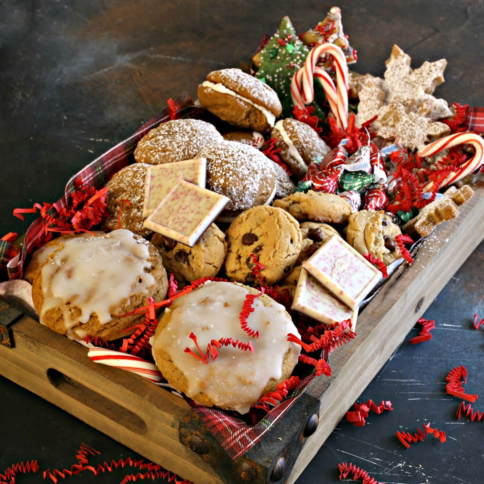 Recipe for a soft German gingerbread cookie with almonds and orange zest plus a holiday treat box.