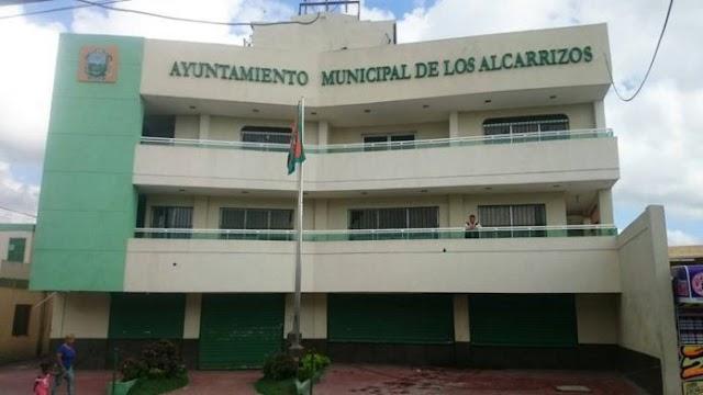 Alcalde de Los Alcarrizos pide a ministerios del Gobierno equipos para reparar calles