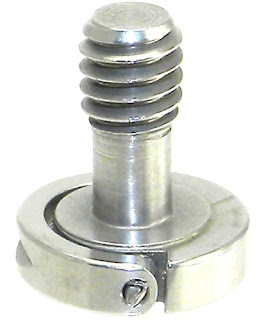"Desmond Mini Hinged D-Ring 1/4""-20 Screw"