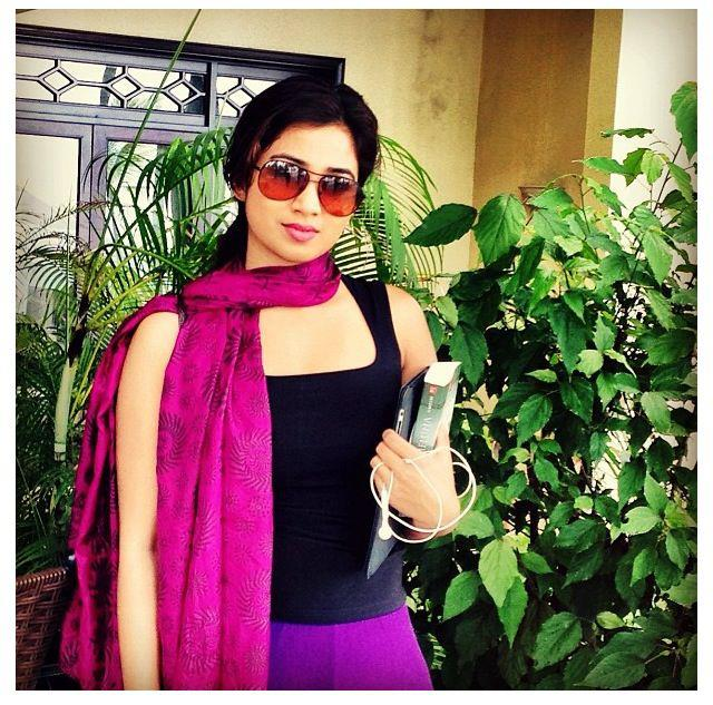 Sexy Images Of Shreya Goshal