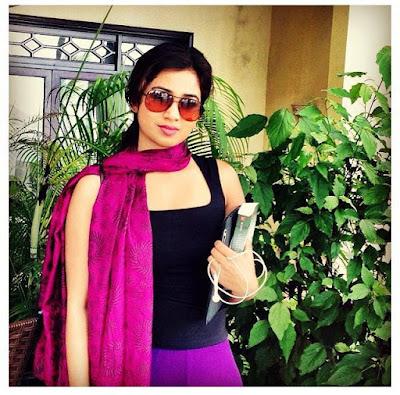 Hot Shreya Ghoshal Live Wall
