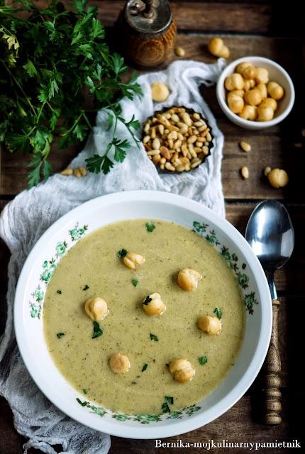 krem, zupa, cukinia, orzeszki, pini, obiad, bernika, kulinarny pamietnik