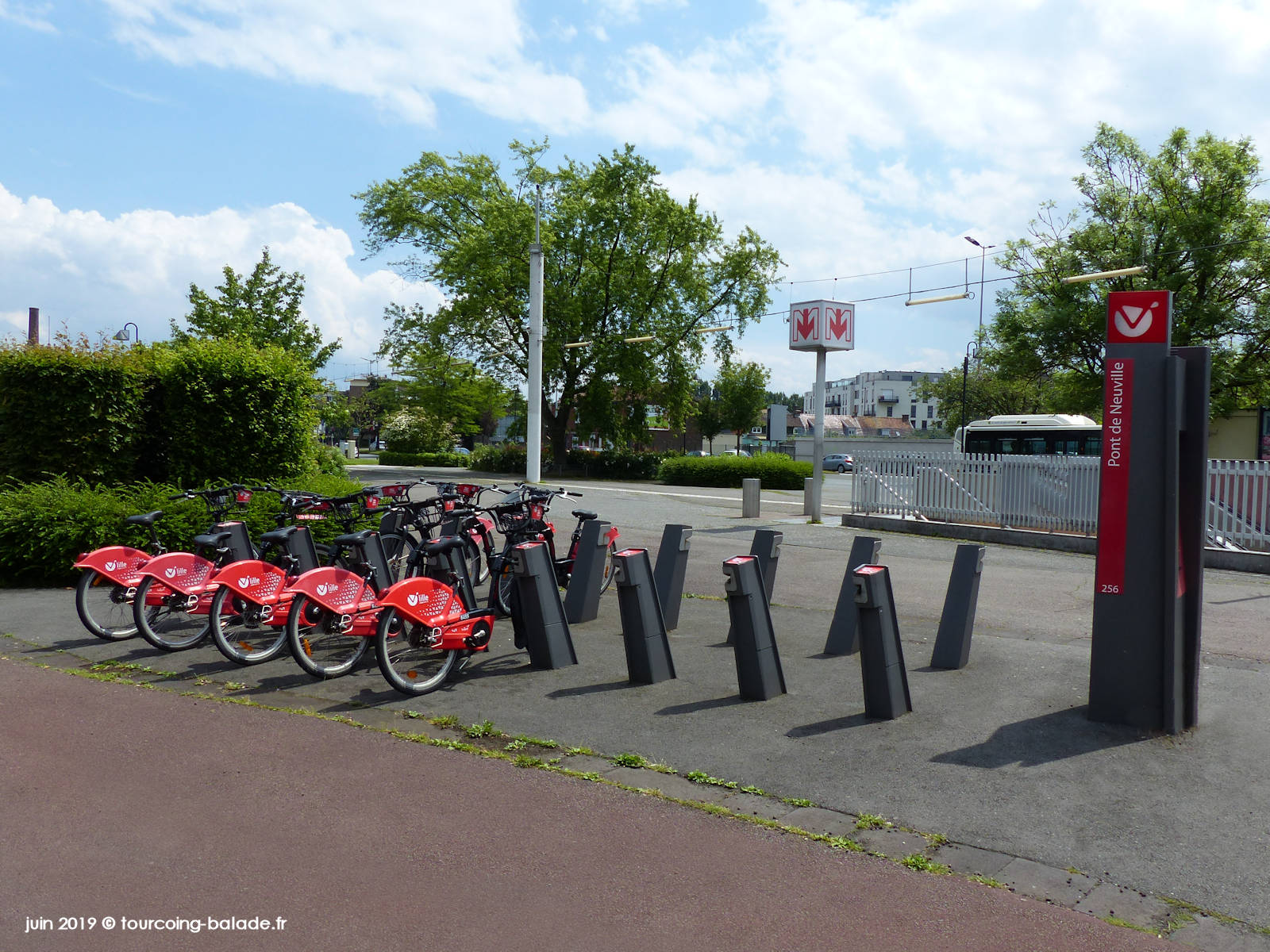 Station Vélos V'Lille Pont de Neuville, Tourcoing, 2019