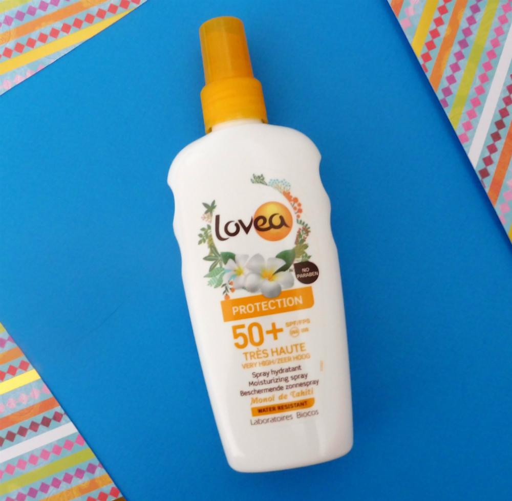 I love Lovea pour prendre soin de ma peau cet été : test de l'huile de coco et du spray protecteur SPF 50 par Lili LaRochelle