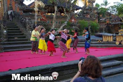 Kumpulan Lirik Lagu Daerah Bali