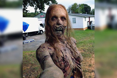 selfie zombie walking dead