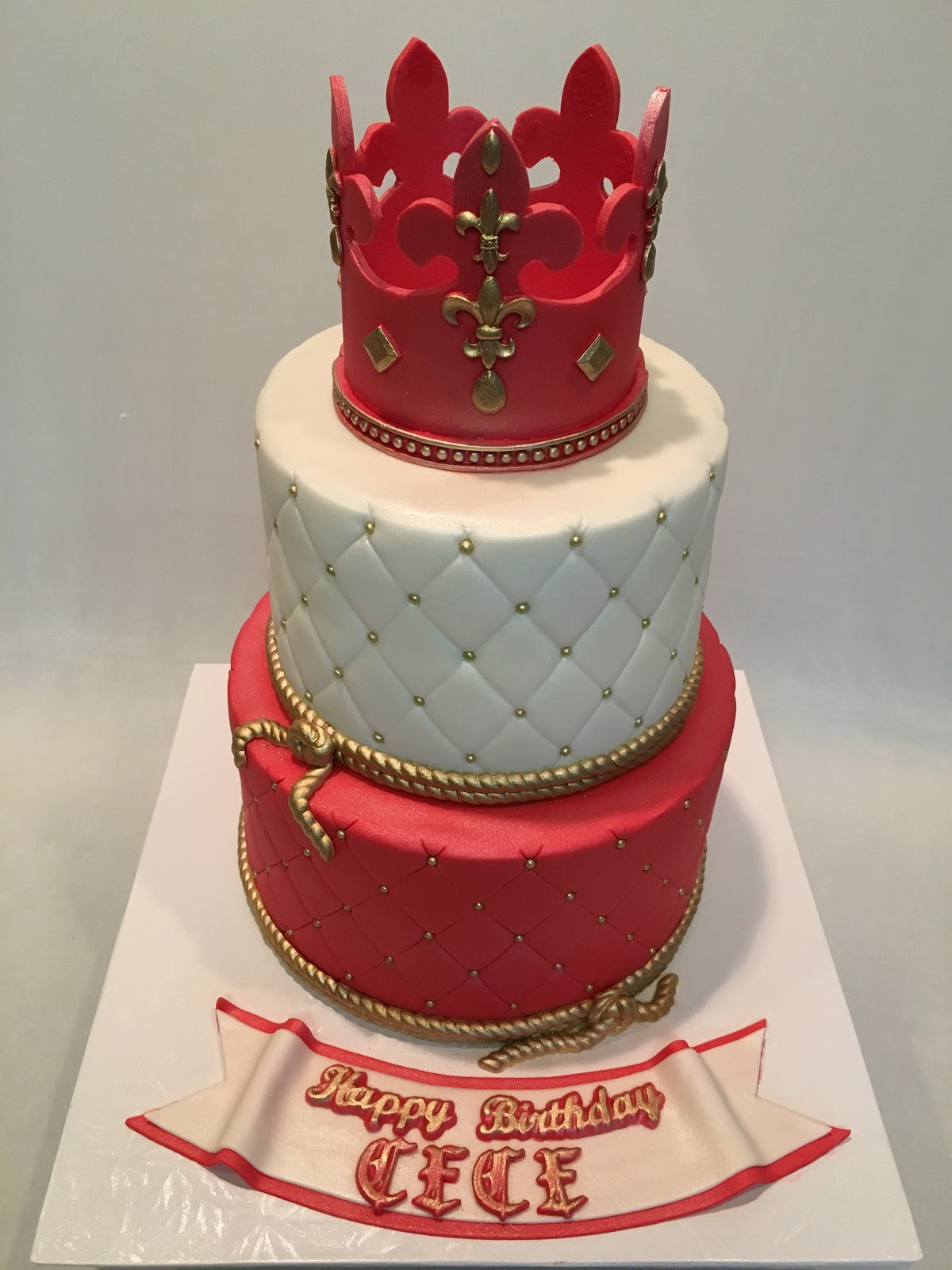 MyMoniCakes Fit for a king cake Red crown Royal Cake