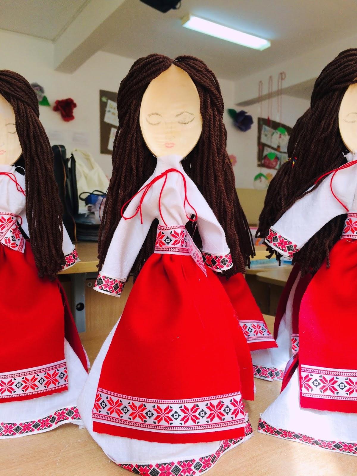 """""""Țărăncuța""""- păpușă tradițională din lingură de lemn"""