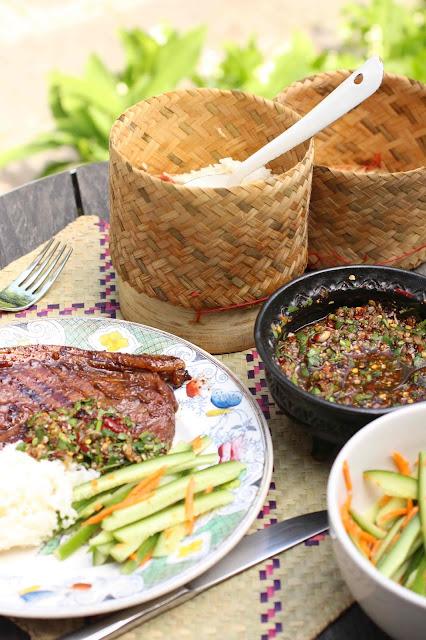 porc grille au barbecue laos