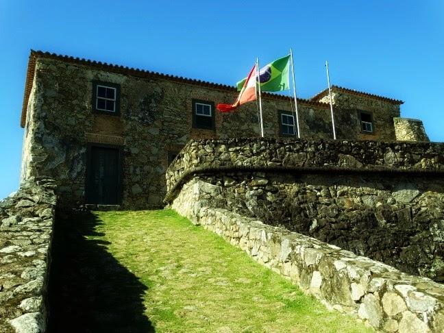 Rampa de acesso à Casa do Comandante da Fortaleza da Ponta Grossa, Florianópolis