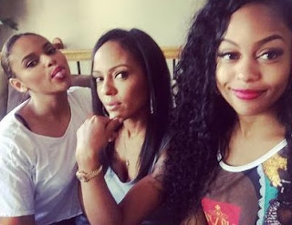 Bahja Rodriguez clicking selfie with her mom & sibling