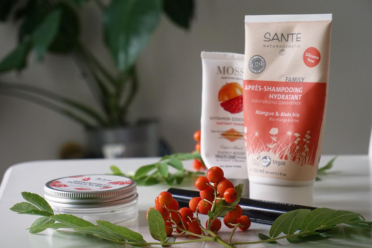 Luonnonkosmetiikka Sante Family hoitoaine, Mossa naamio & yövoide ja Nurme greippi sokerikuorinta