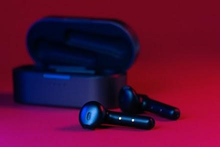 5 Best Wireless Earbuds Under 2000 in India