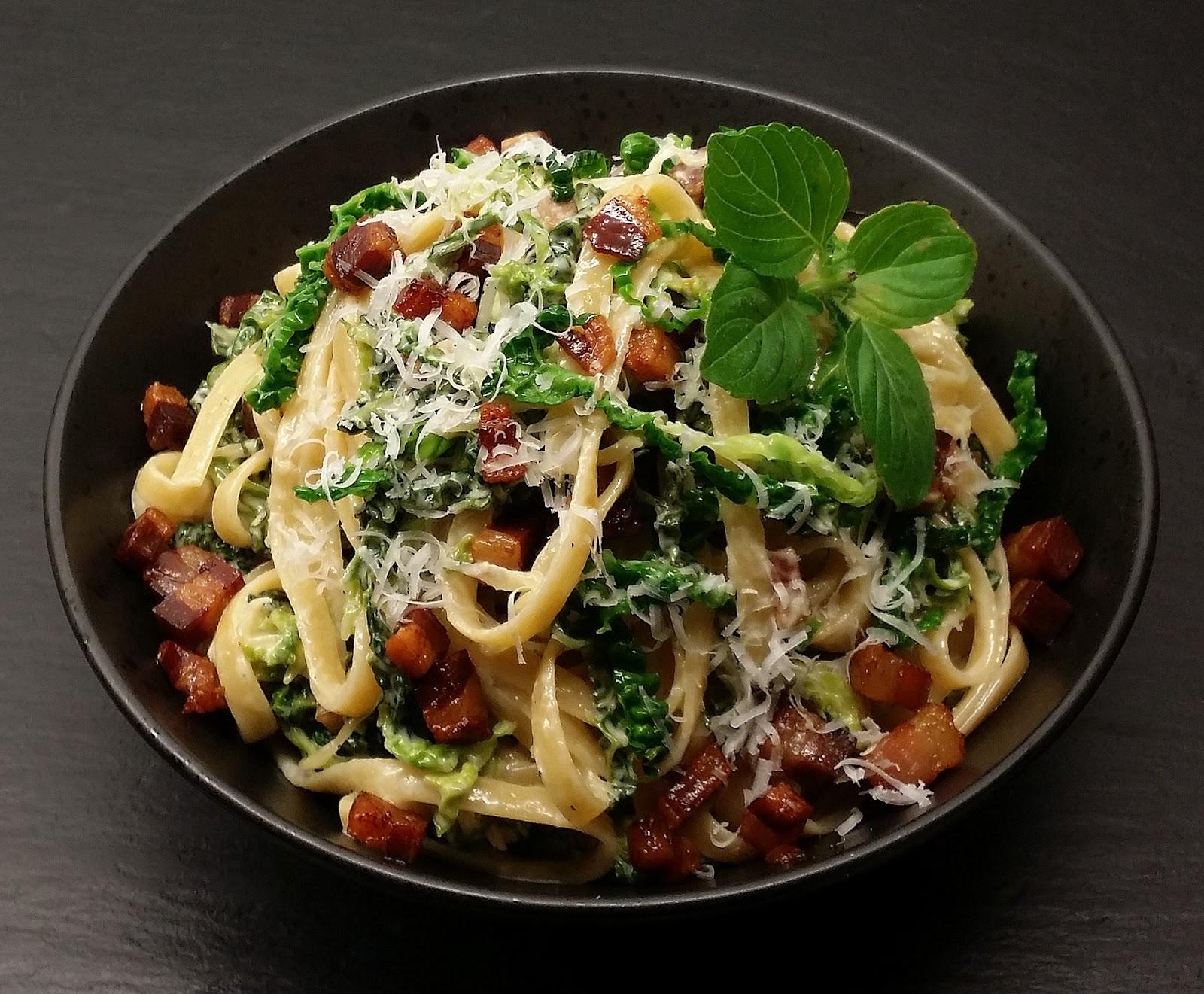 Klidmosterdk Flødekysset Savojkål Med Pasta Og Bacon Af Toscansk