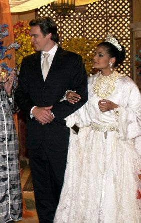Rania vestida de noiva em O clone
