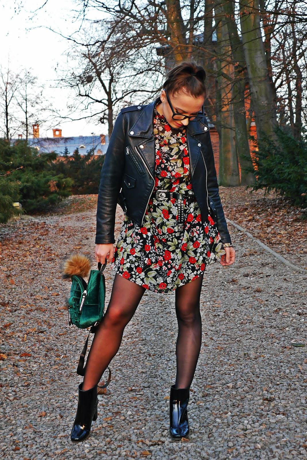 sukienka w kwiaty lakierowane botki bonprix czarna ramoneska karyn blog modowy blogerka modowa ciekawy blog o modzie modowe stylizacje puławy
