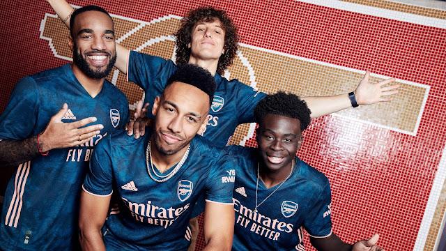 David Luiz, Aubameyang, Bukayo Saka, Lacazette rocks Arsenal 2020/21 away jersey