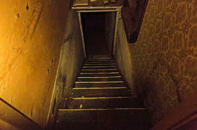 Stairs down to dark, scary basement