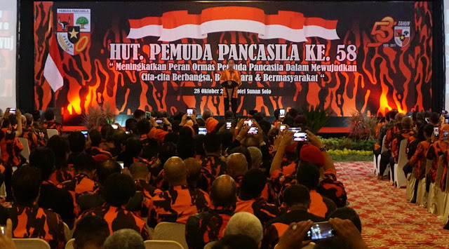 Jokowi: Waspada Ada Doktrin Ganti Ideologi Pancasila Lewat Medsos