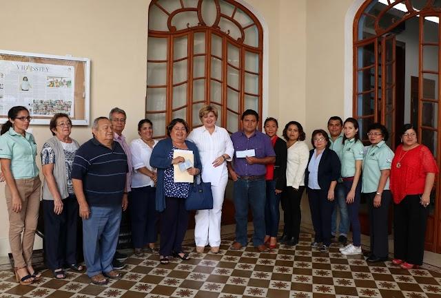 Trabajadores reciben sus créditos hipotecarios del ISSTEY