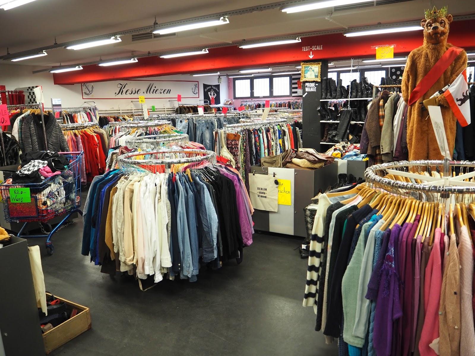 The best vintage shopping in Berlin Garage vintage kilo shop