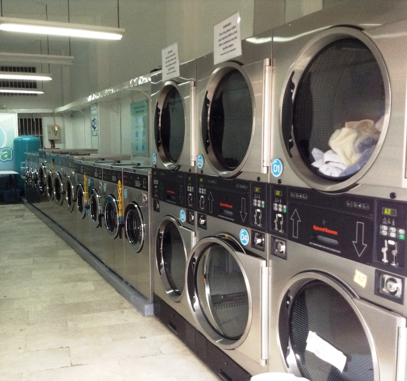 Xtns blog labarya do it yourself laundry the washers come in two sizes large and small while the dryers come in only one big size the employees working there can help you use the machines solutioingenieria Choice Image