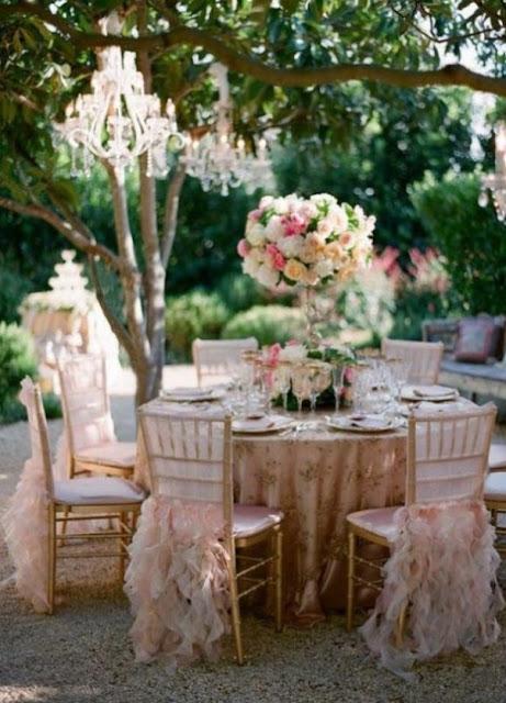 dekorasi pernikahan outdoor modern terbaru