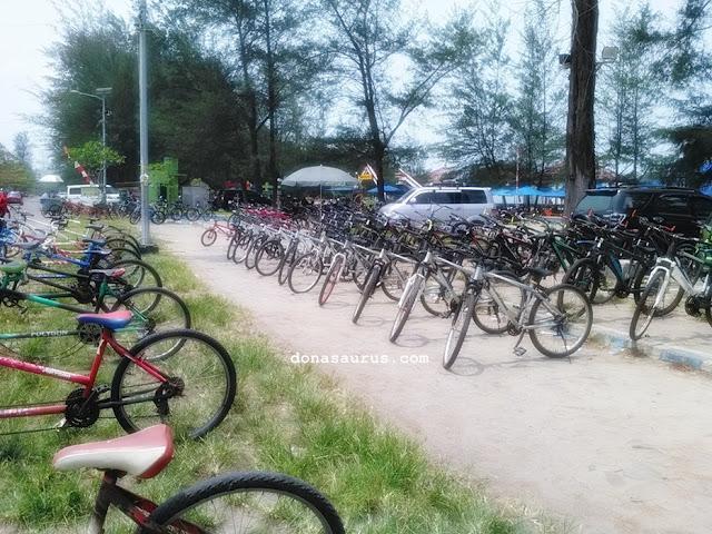 rental sepeda pantai panjang