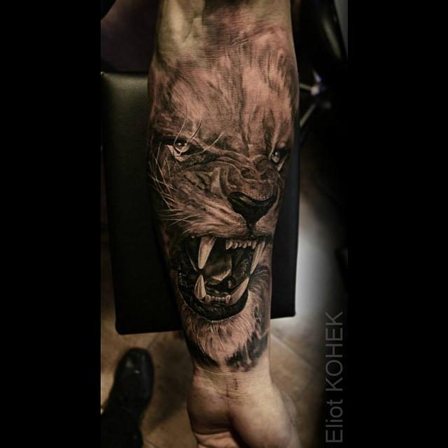 impresionantes-tatuajes-tenebrosos-y-realistas-del-artista-Eliot-Kohek