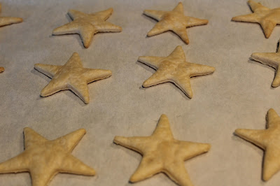 cooling, pie crust, stars, cut outs