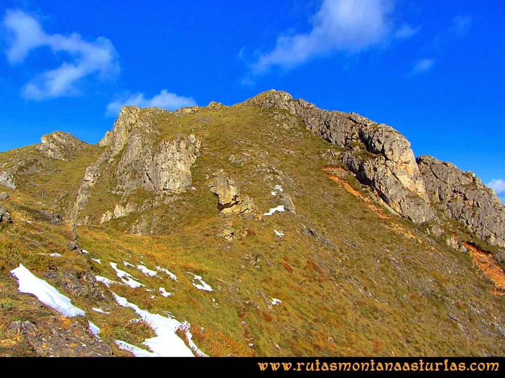 Rutas Montaña Asturias: Último tramo a la cima de la Hoya