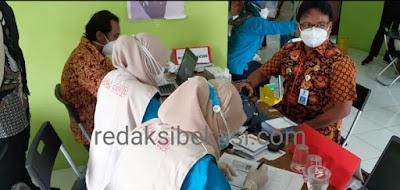 28 Orang Pegawai Kecamatan Sukakarya Hari Ini Disuntik Vaksin