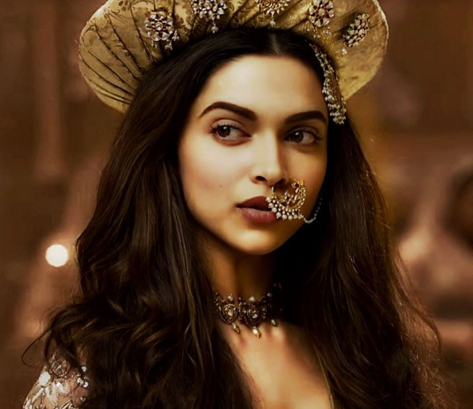 Best-Deepika-Padukone-Inspired-Makeup-Looks-to-Try-for-Party
