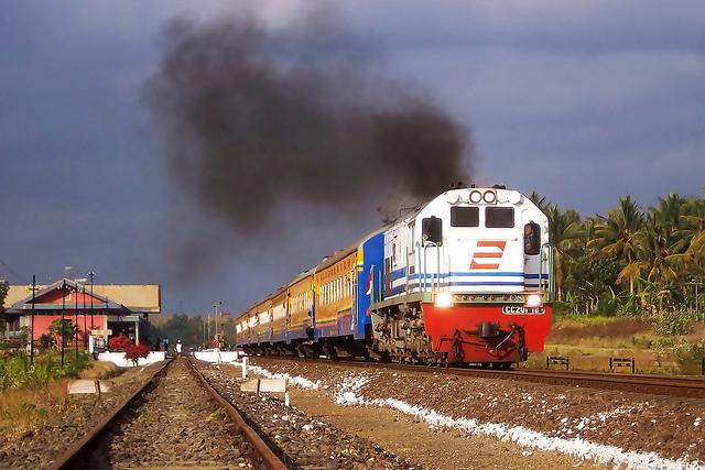 Kereta API KA-Probowangi | Jurusan Banyuwangi - Surabaya
