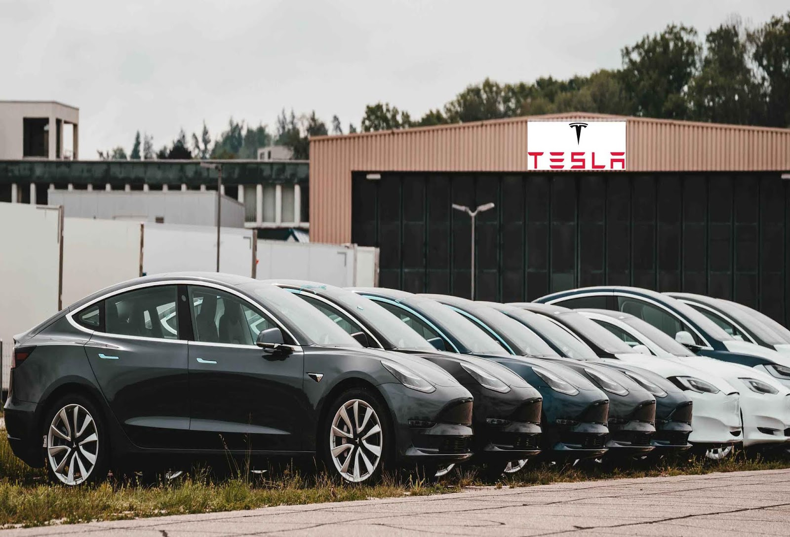 Tesla launches car insurance offering