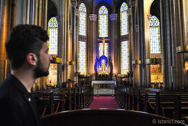İstanbul'un En Büyük Kilisesi: Sent Antuan Kilisesi Harun İstenci tarafından inceleniyor.