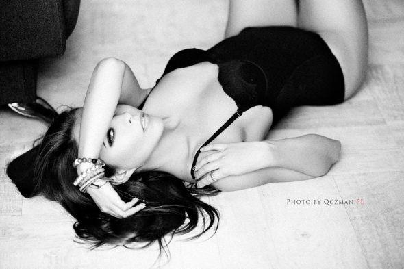 Andrzej Kornalewski qczman arte fotografia mulheres modelos sensual fashion beleza preto e branco