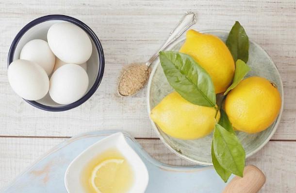 Trị nám da mặt hiệu quả bằng trứng gà và chanh