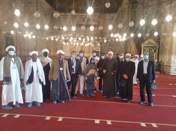 وفد من المتدربين بأكاديمية الأوقاف الدولية لتدريب وتأهيل الأئمة والدعاة في زيارة لقلعة صلاح الدين