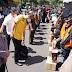 Kapolda Jatim Dampingi Komisi III DPR RI, Bagikan sembako dan masker