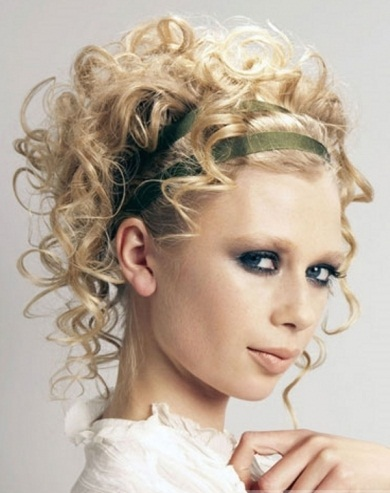 flirty curly updo hair style 2014 prom hairstyles 2014