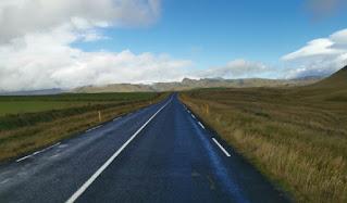 Carretera de acceso a Reynisfjara.