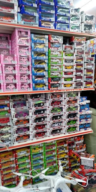 Anak-Anak Sekarang Memang Pandai Berbelanja