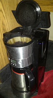 Coffee maker with lid open