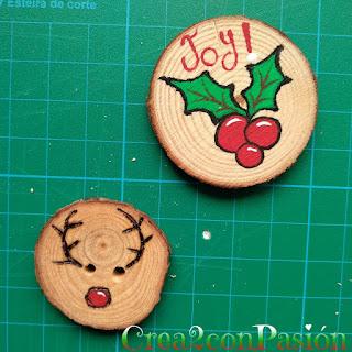 Adornos-navideños-pirograbados-en-madera-y-pintados-con-acrílicos-crea2conpasion