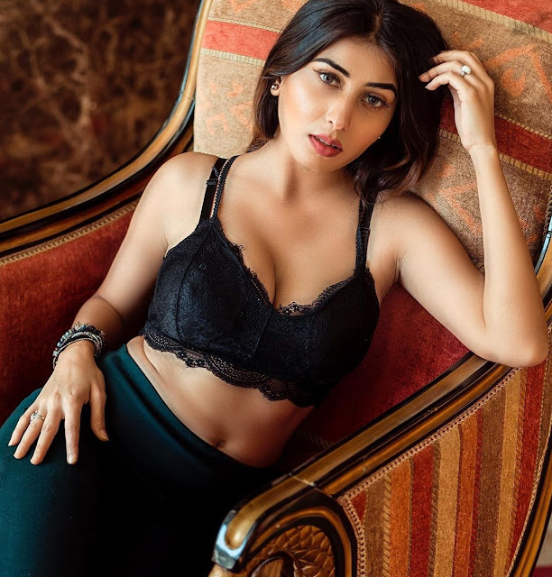 looking-at-ruma-sharma-bikini-pictures-will-blow-your-senses