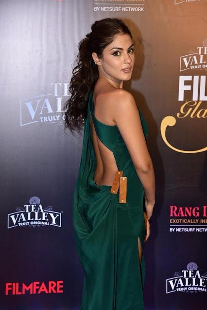 Rhea Chakraborty at Jio Filmfare Awards South Navel Queens