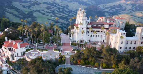 Picture of overview of Hearst Castle in California