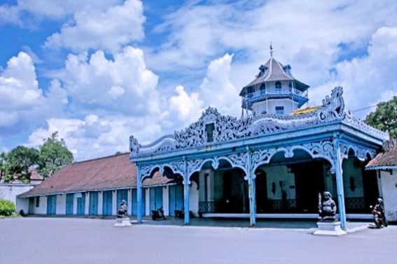 Wisata Jawa Tengah Keraton Surakarta Hadiningrat